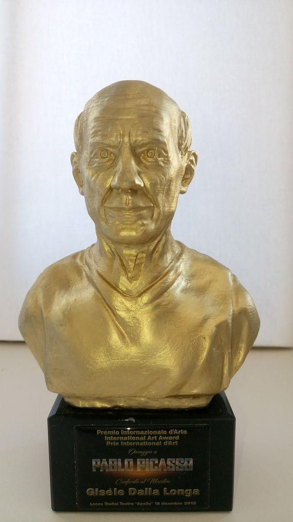 "Prix International d'Art 2018 "" Hommage à PICASSO""  Statuette"