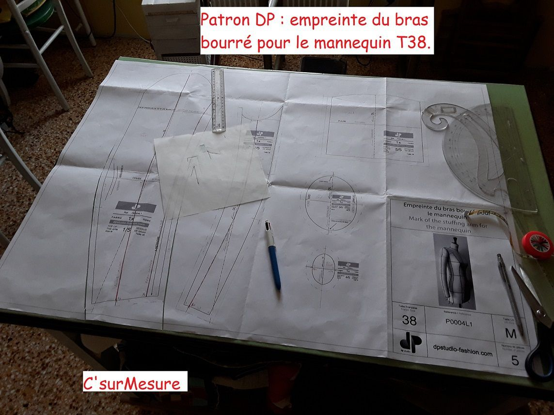 Patron DP : attache bras bourré, courbes ?