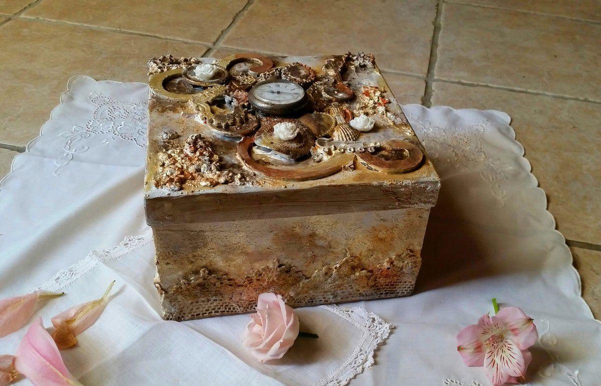 une jolie boîte