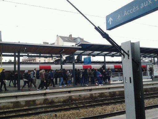 Spectaculaire interpellation d'un arracheur de téléphone portable en gare RER B d'Aulnay-sous-Bois !