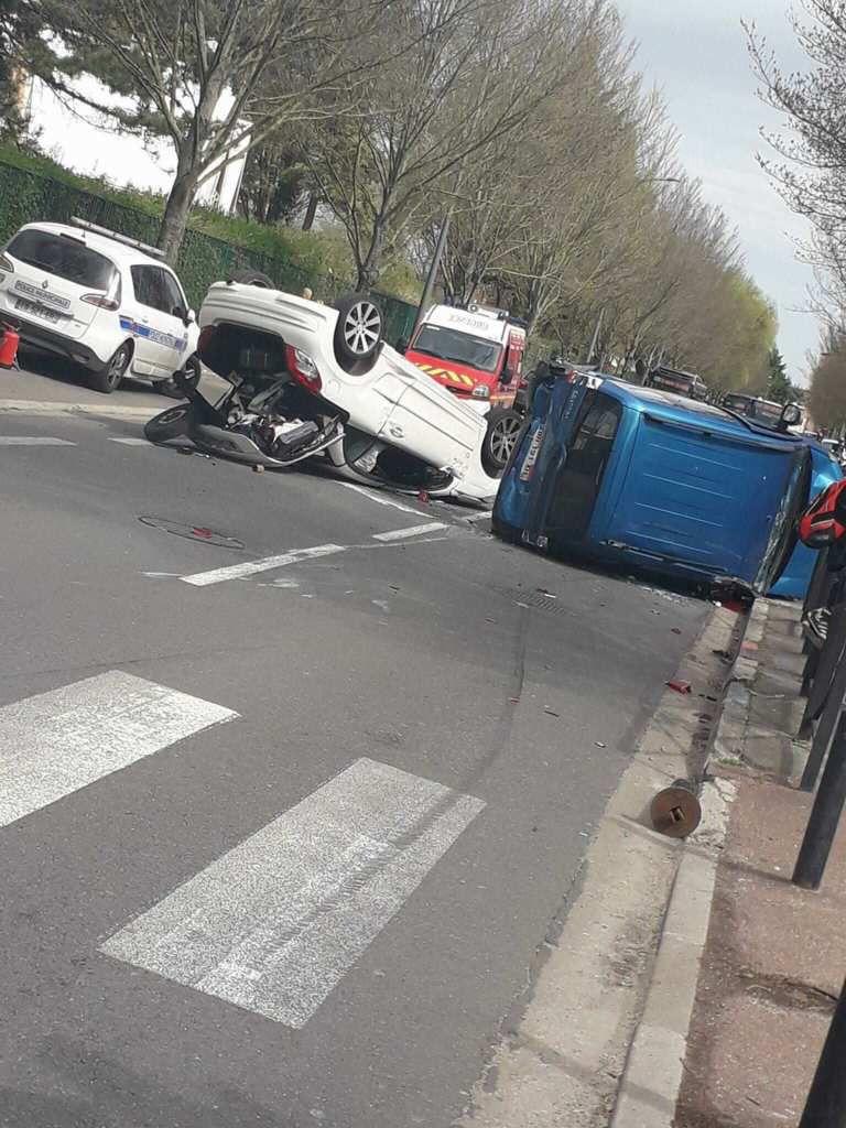 Enorme carambolage avenue du Maréchal Juin à Aulnay-sous-Bois