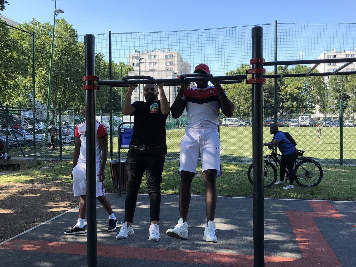 Grand enthousiasme pour l'arrivée d'un street work-out cité de l'Europe à Aulnay-sous-Bois