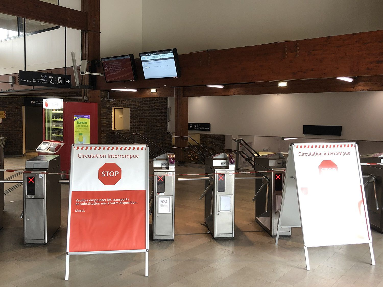 Situation chaotique en gare RER B à Aulnay-sous-Bois ce 4 mars 2020 à cause d'une caténaire !