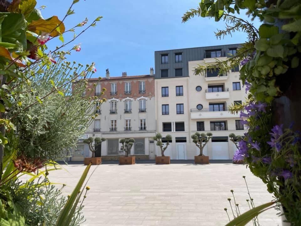 La place Abrioux à Aulnay-sous-Bois resplendit de toute sa beauté !
