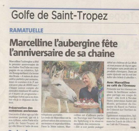 Sylvie Bourgeois Harel et Marcelline fêtent avec leurs amis les ânes, à la Ferme des Bouis, la première année de leur chaîne YouTube