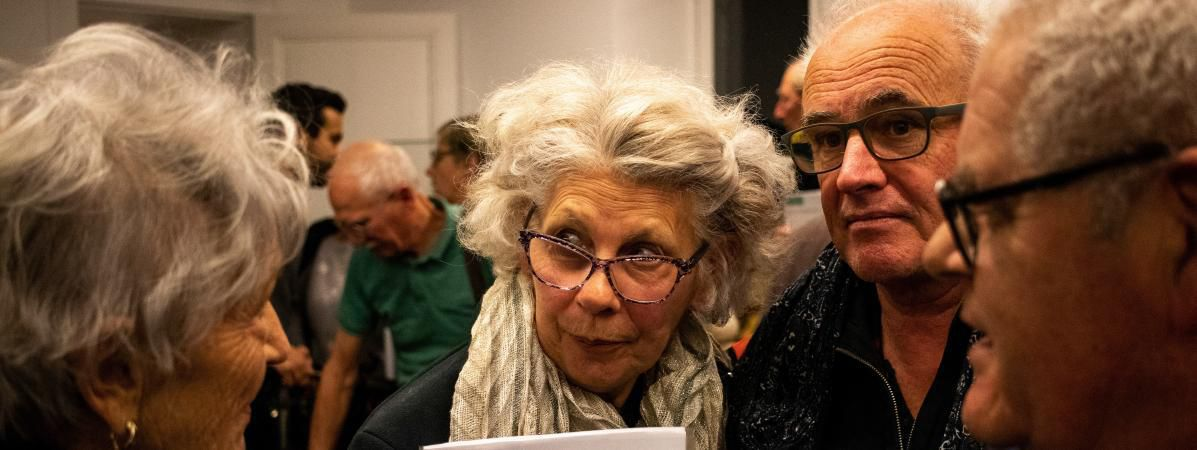 Un premier débat s'est tenu à Saint-Briac-sur-Mer en Ille-et-Vilaine, jeudi 17 Janvier. (MARTIN BERTRAND / HANS LUCAS / AFP)