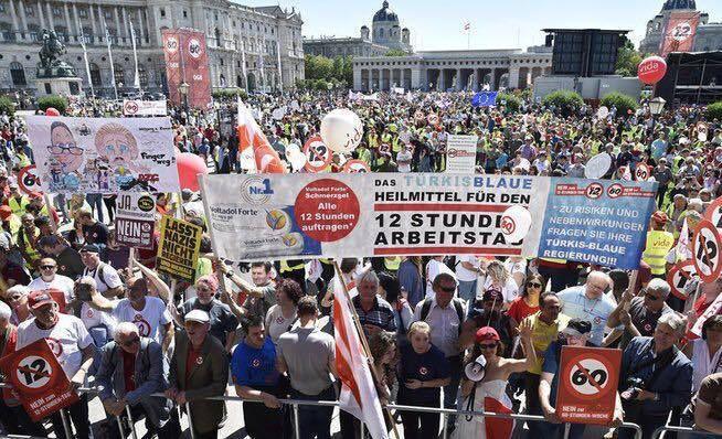 MANIFESTATION AUTRICHIENNE EN FAVEUR DE LA DEMOCRATIE