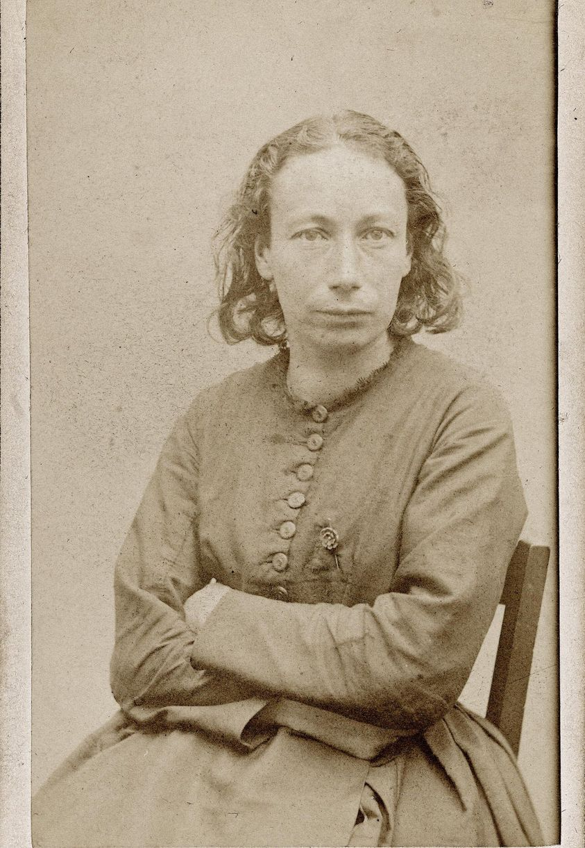 LOUISE MICHELE INSTITUTRICE ET FIGURE MARQUANTE DE LA COMMUNE DE PARIS