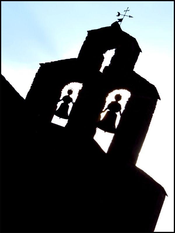 Église de Llo (66), clocher – 8 septembre 2016, 18 H 35