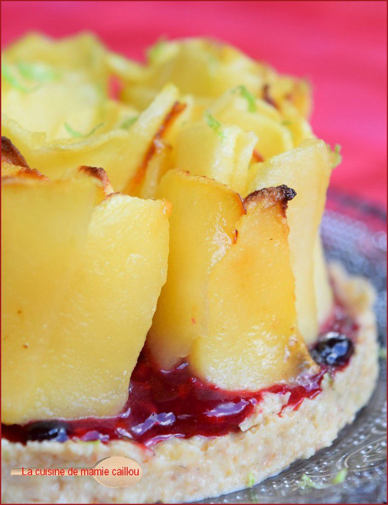 Comme un bijou dans son écrin...je vous présente la fleur des tartes aux pommes