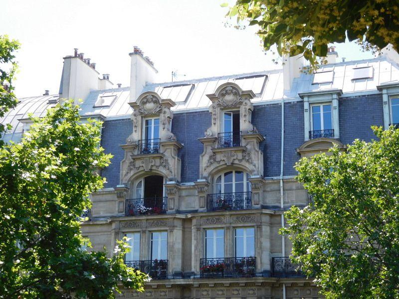 LES YEUX D'EMMA, PARIS AUTREMENT... LES BELLES FACADES AVEC LEURS SCULPTURES, LES HORLOGES ET CADRANS SOLAIRES? LE STREET ART...