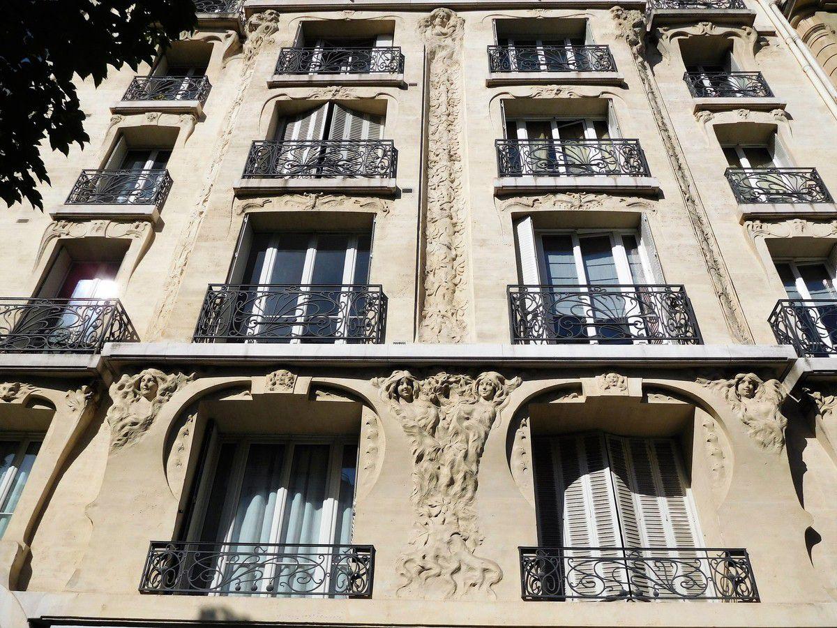 LES YEUX D'EMMA... LE PARIS INSOLITE 1.