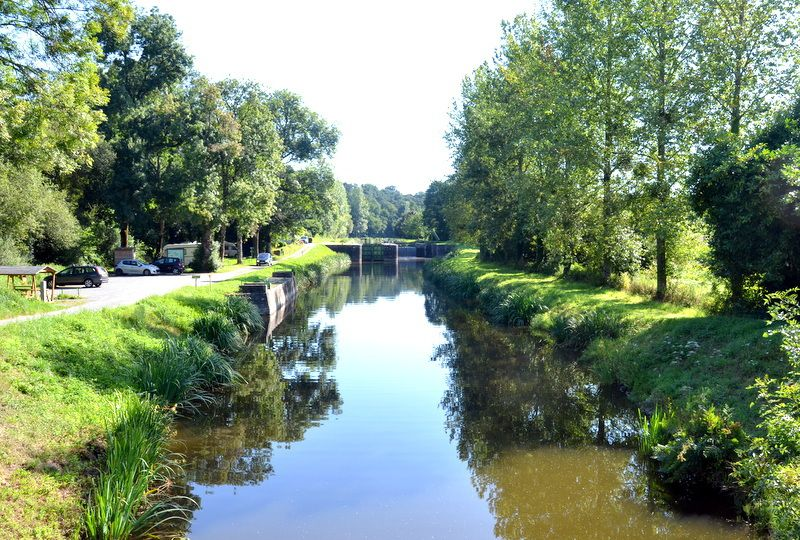 LE CANAL DE NANTES A BREST...