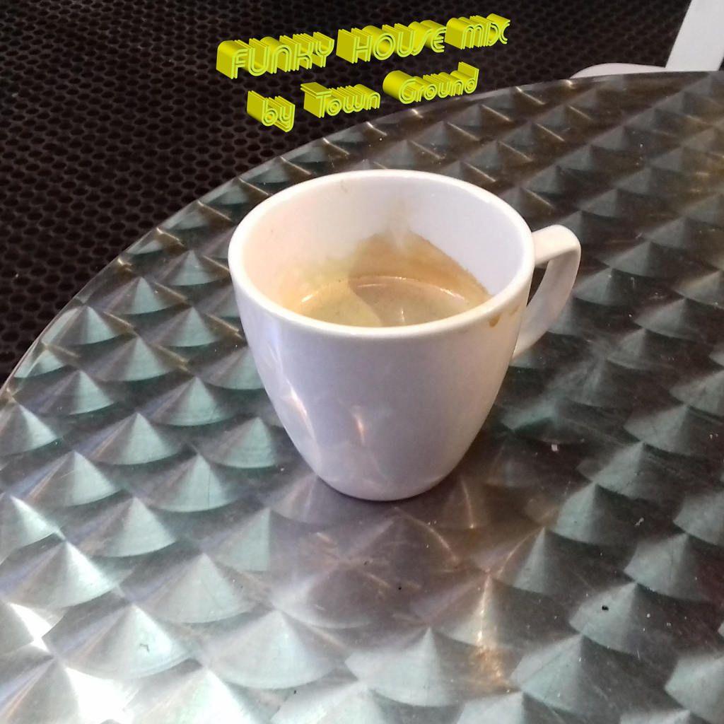 Merci au bar le Beirão pour leur très excellent café du matin...