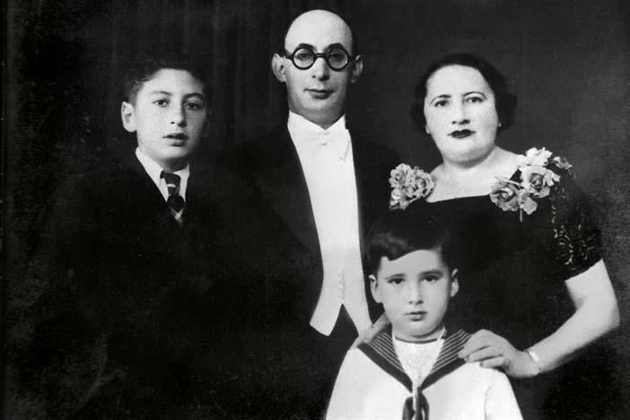 La famille Englert, peu de temps avant le départ forcé de Bruxelles. Le jeune François se trouve à droite.