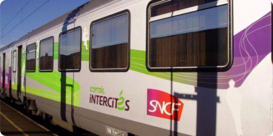 Tract aux usagers : l'avenir des trains sur l'axe Caen/Le Mans/Tours toujours incertain ! La mobilisation des usagers, élus et cheminots doit se poursuivre ...