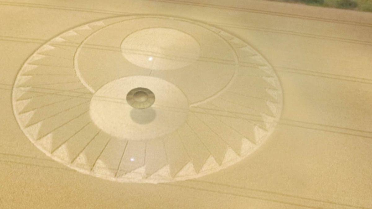 Risultati immagini per ufo crop circle