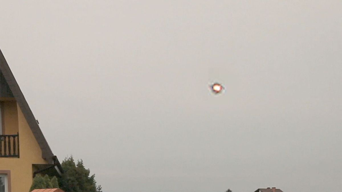 UFO spotted over POLAND !!! November 2017