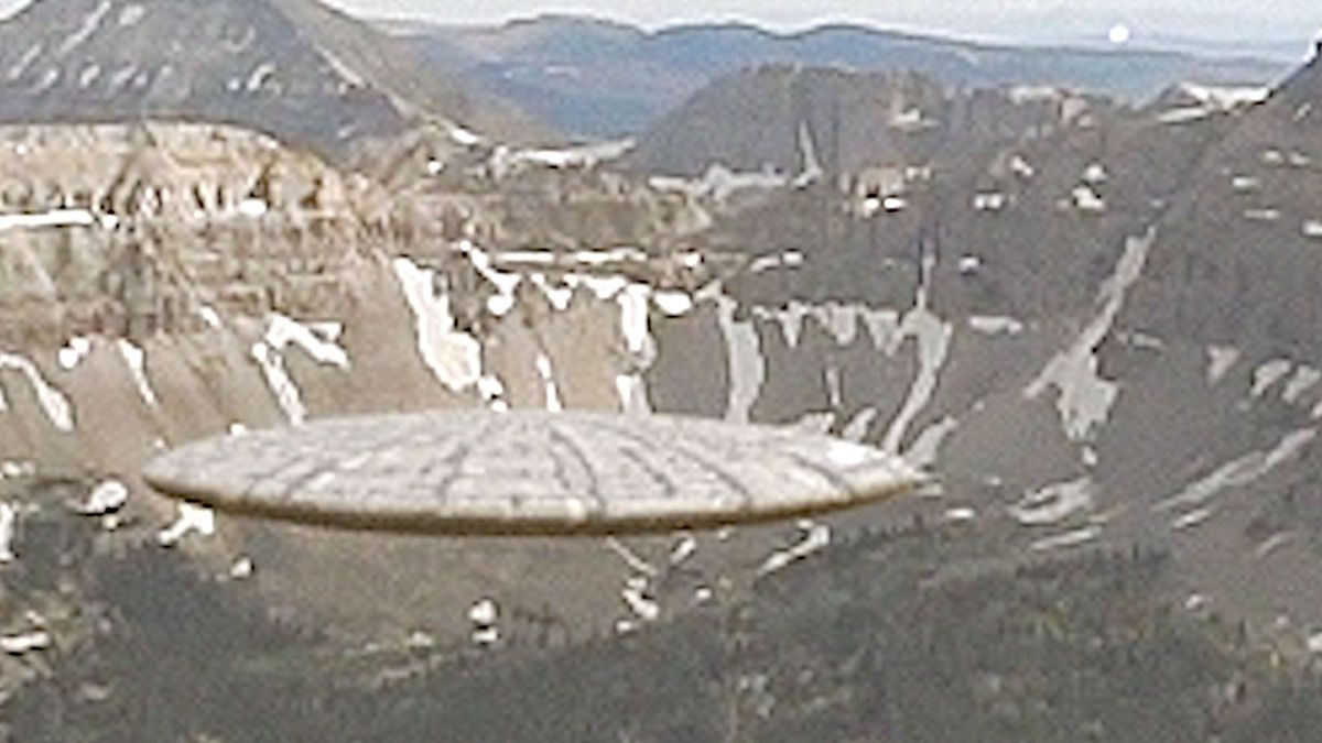 UFO spotted over the UINTA MOUNTAINS - USA !!! June 2017