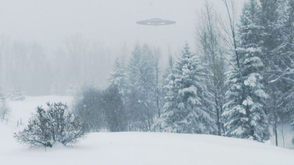 Strange UFO caught on camera in ONTARIO - CANADA !!! Dec 2017