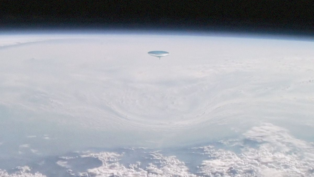 Leaked video from ISS shows UFO causing warp distortion on Earth !!! June 2018