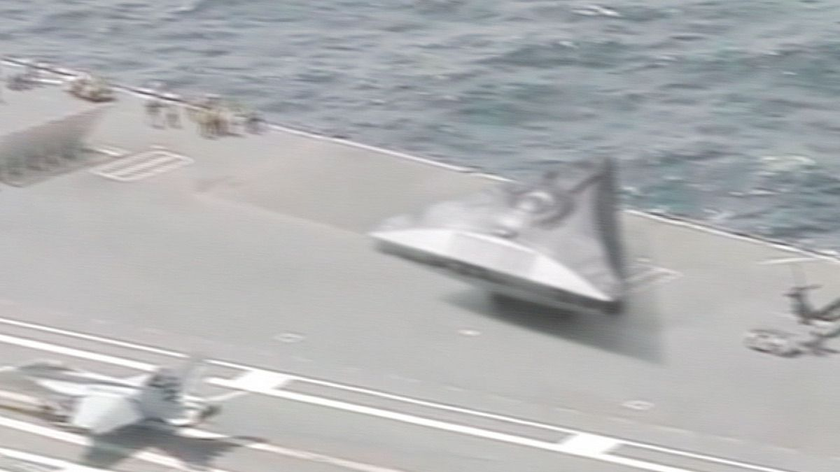 Triangle shaped UFO spotted on US Aircraft Carrier in Mediterranean Sea ! Leaked Video !!! Sept 2018