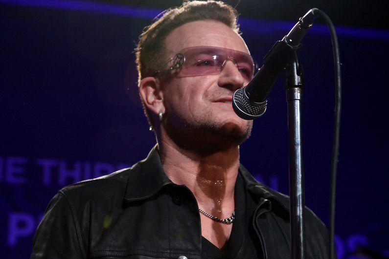 À LA RENCONTRE DE U2 (2/5) - Pour ce deuxième extrait de notre série consacrée au plus connu des groupes irlandais, Bono et Larry nous parlent de leur rapport au public.