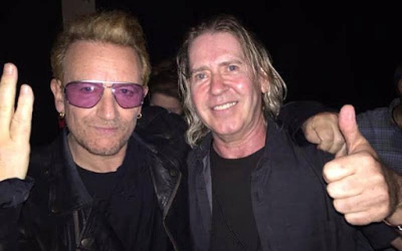 Le producteur Steve Lillywhite pendant une conférence à Singapour a annoncé qu'il travaillait actuellement avec U2 sur leur prochain single