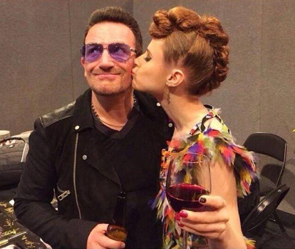 Bono et Kiesza -MTV EMA 09/11/2014