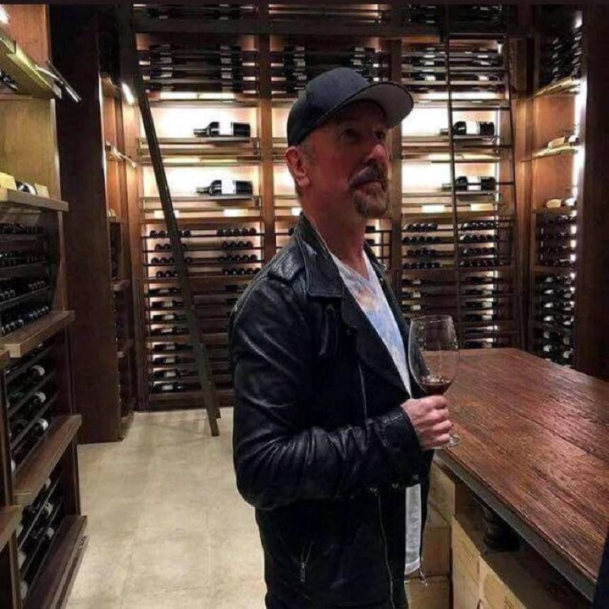 U2 -The Edge chez un marchand de vin -Santiago,Chili -14/10/2017
