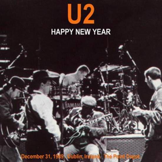 """A minuit, U2 a ouvert son dernier spectacle à Dublin avec """"Where The Streets Have No Name"""" avec le public à compter des dernières secondes des années 1980. Le spectacle est diffusé en direct sur l'ensemble de l'Europe ."""