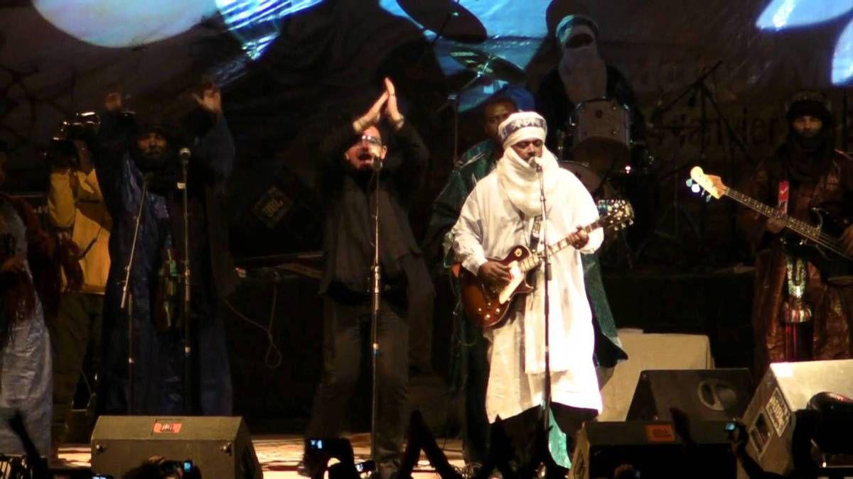 Bono et Ali - Festival au Desert de Timbuktu - Mali 13-01-2012