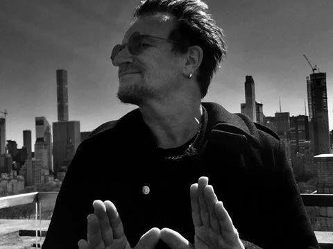 Bono «désolé» après des informations sur du harcèlement chez ONE
