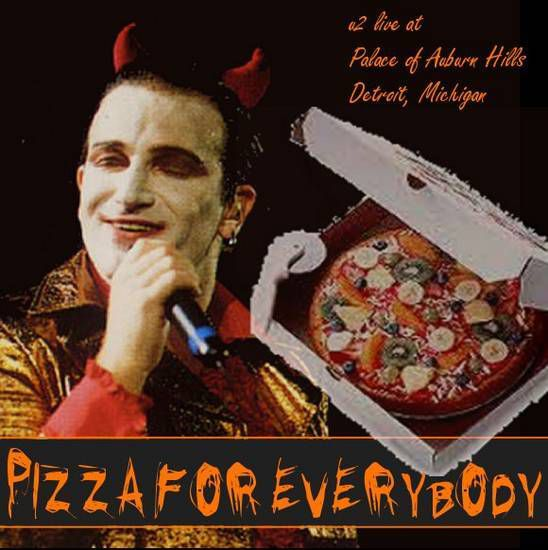 """Ce spectacle se déroule dans le folklore U2 comme le concert """"pizzas pour tout le monde"""". Quand Bono fait son habituel channeling avant Even Better Than The Real Thing, il tombe sur une publicité pour Speedy Pizza et décide de les appeler pour commander 10 000 pizzas en direct de la scène. Pendant la pause entre l'ensemble principal et le rappel, un chariot contenant 100 boîtes de pizza au pepperoni est roulé sur scène et les boîtes sont jetées au public."""