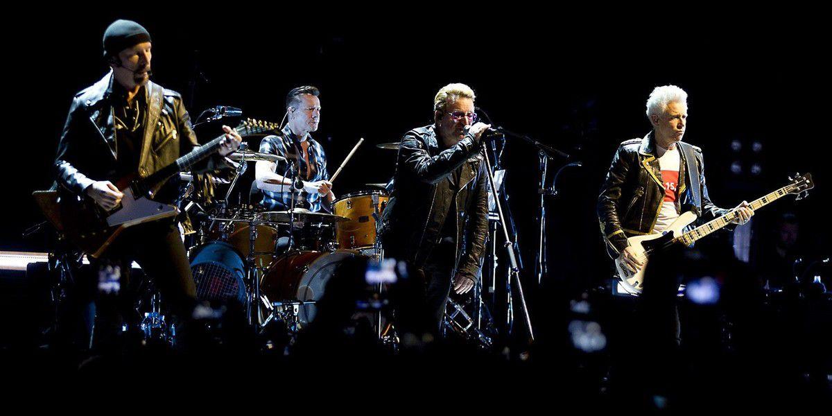 Non content d'être le groupe le plus populaire au monde depuis leurs débuts à la fin des années 70, le groupe de Bono a offert aux romantiques quelques-uns de leurs hymnes préférés.