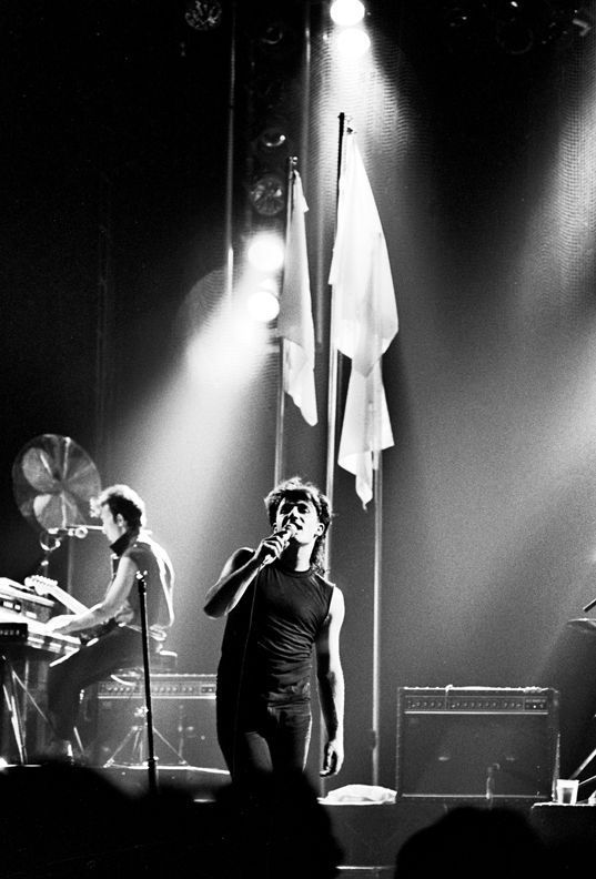 U2 -Pre-War Tour -22/12/1982 -Dublin -Irlande -S.F.X. Center #1
