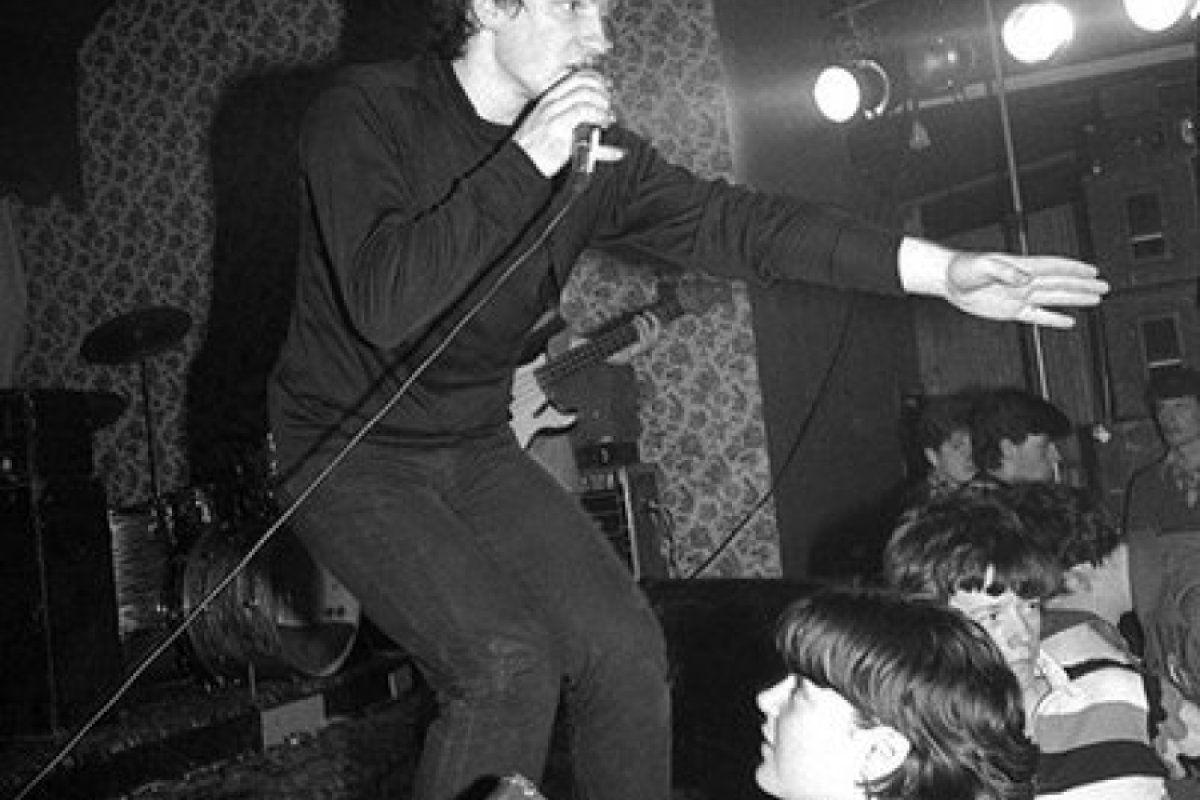 U2 -Early Days -05/02/1980 -Tullermeny -Irlande -Garden Of Eden Club