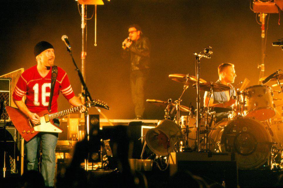 U2 -Elevation Tour -15/04/2001 -Portland -USA -Rose Garden