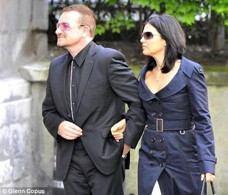 Bono - Funérailles de Sir Clement Freud -L'église St Bride -Londres -24/09/2009