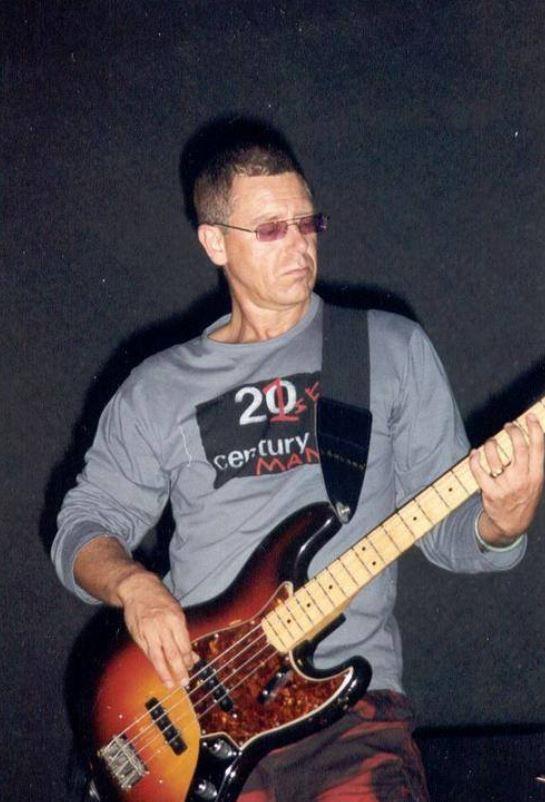 U2 -Elevation Tour -27/08/2001 -Glasgow  Ecosse -Scottish Exhibition and Conference Centre #1