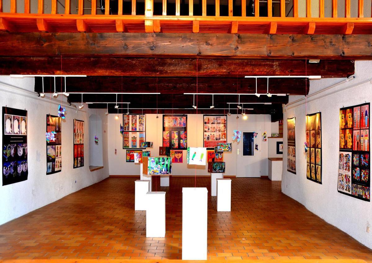 salle expo NAP arts plastiques / élémentaire