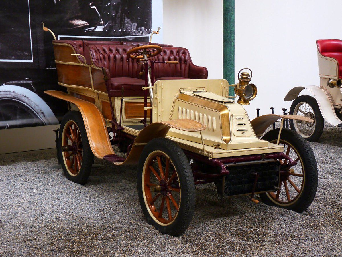 La De Dion Bouton type J 1902 (source Google)