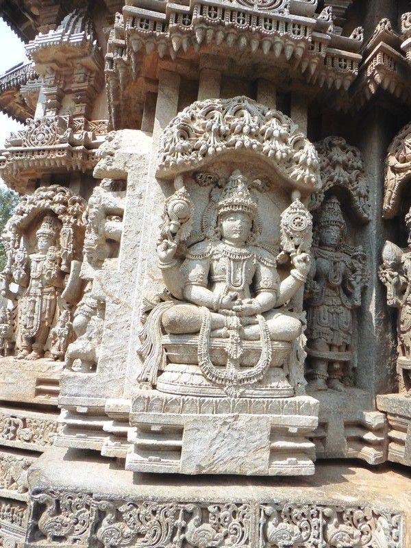 Chapitre 2278 : et un temple Hoysala