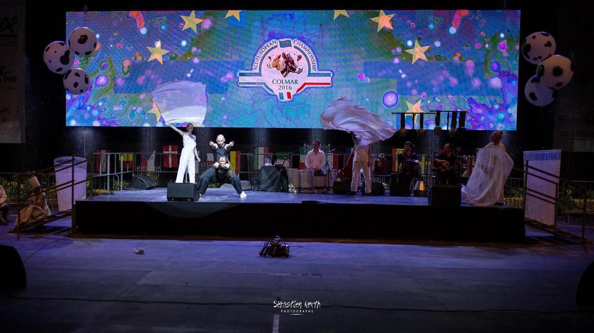 """""""Du beau, du bon, du bon lait"""" - Aquatique Show International et Cie Mattagumber - COLMAR - Parc expo - 18 et 19 juin 2016"""