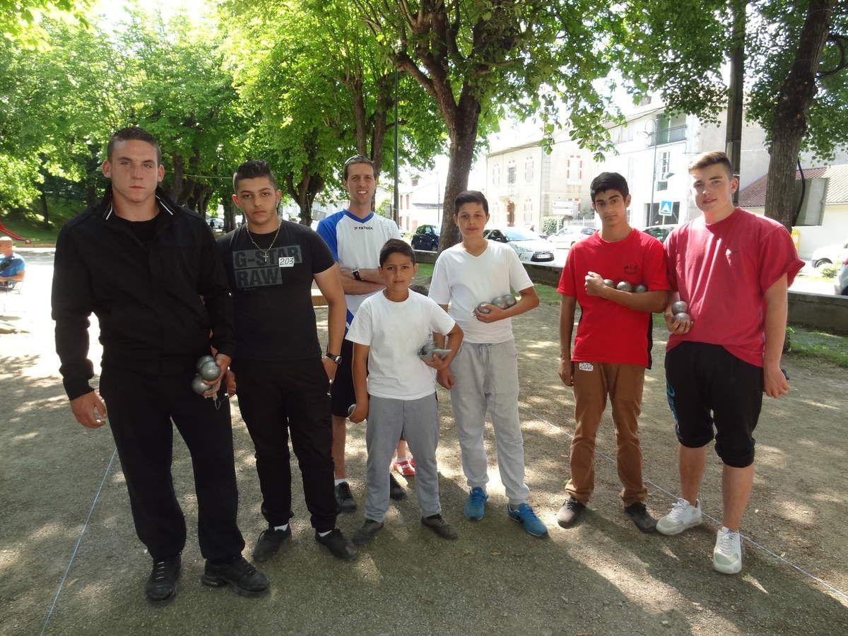 Les jeunes salisiens champions départementaux en doublette Junior