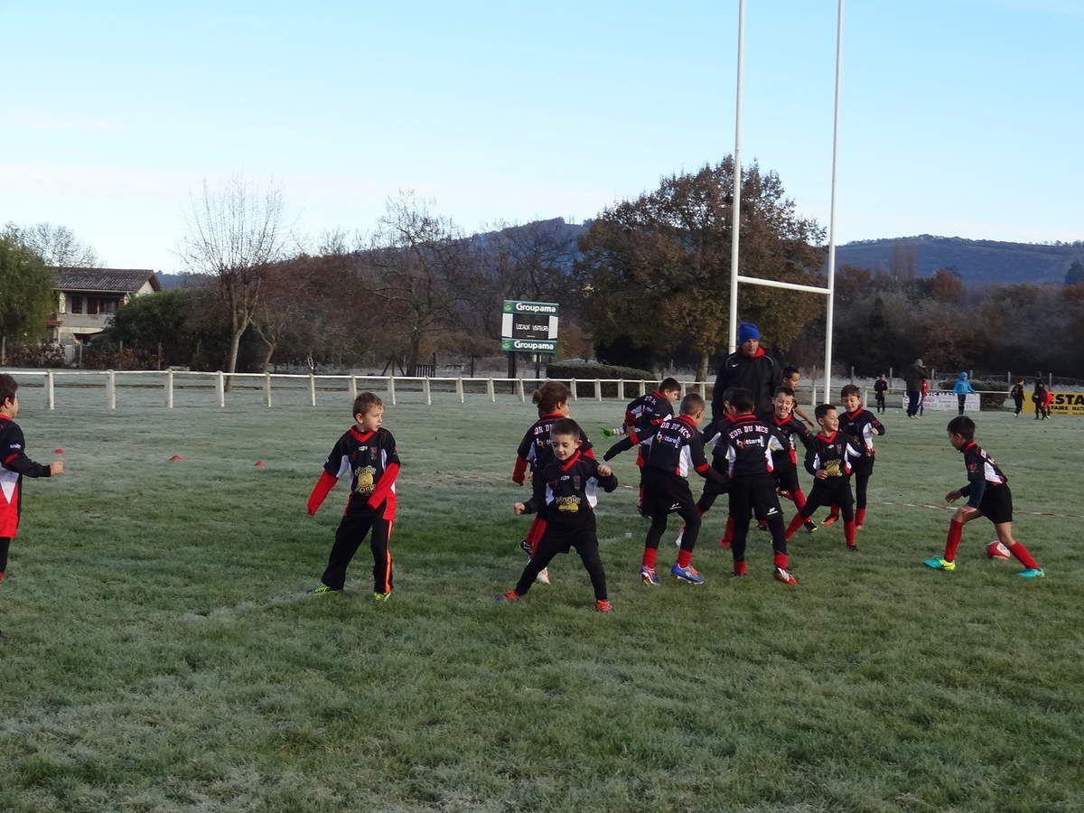 Mazères-Cassagne - Remise de maillots à l'école de Rugby