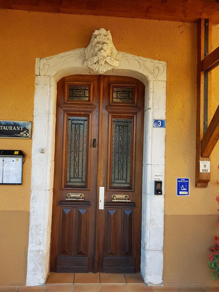 Mane - L'Hôtel de France, Une institution depuis le 18e siècle