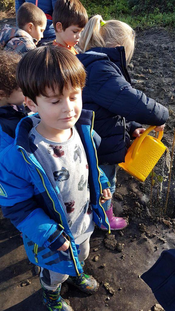 Beauchalot. Les enfants jouent les forestiers en bord de Garonne