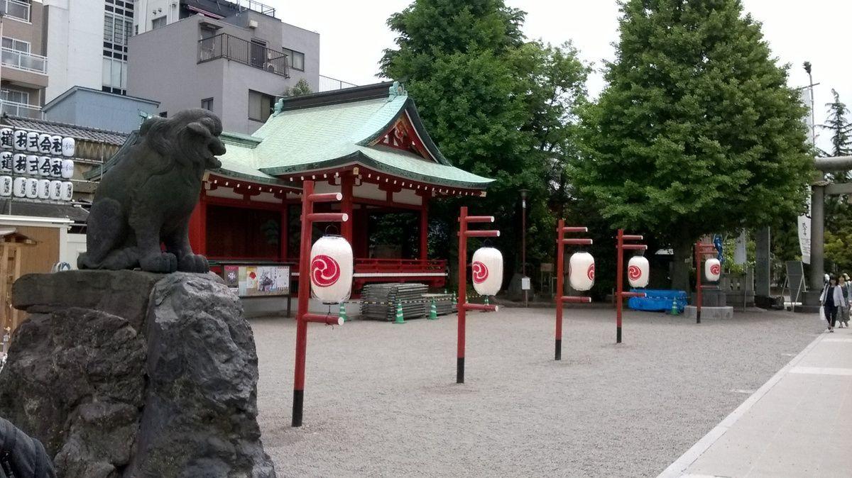 Le sanctuaire Asakusa Jinja.