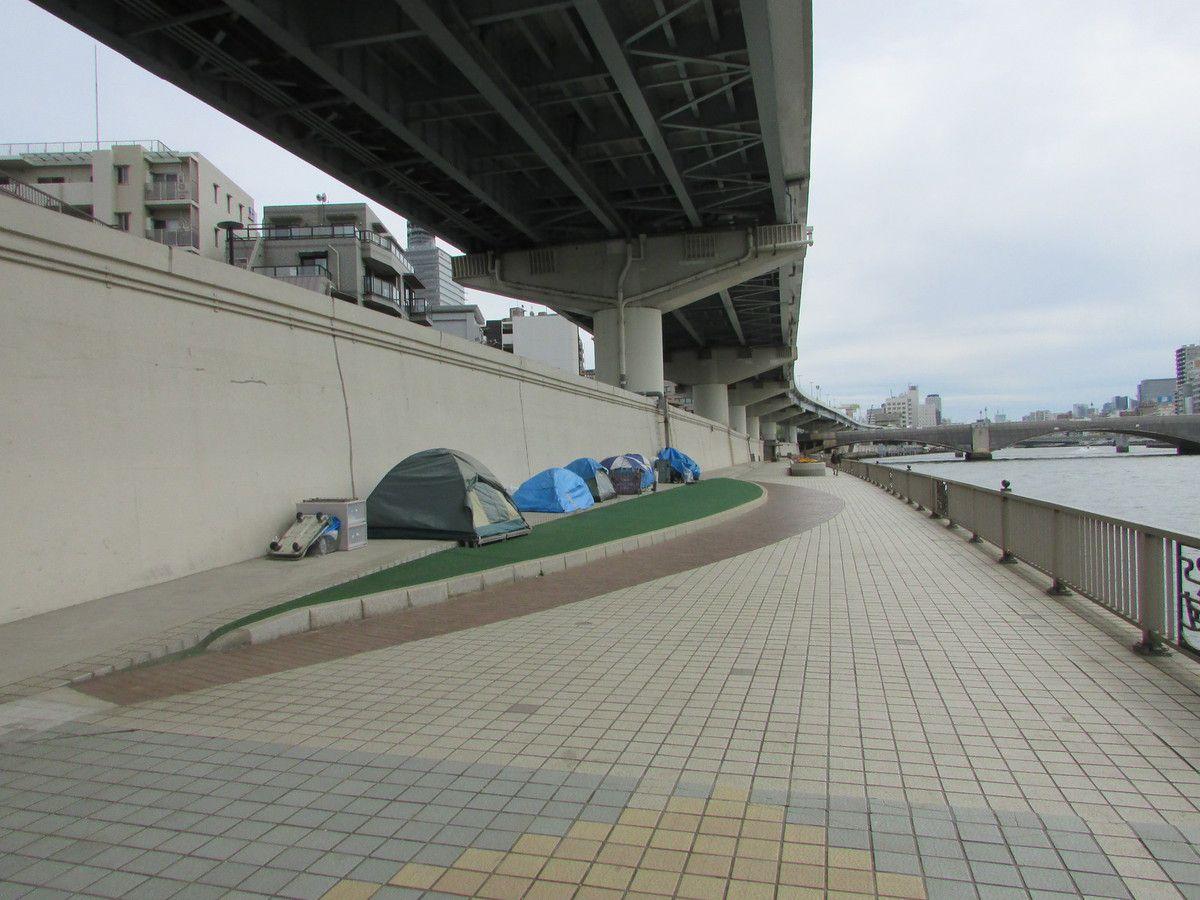 Le long du fleuve Sumida entre Asakusa et Riogoku à Tokyo.